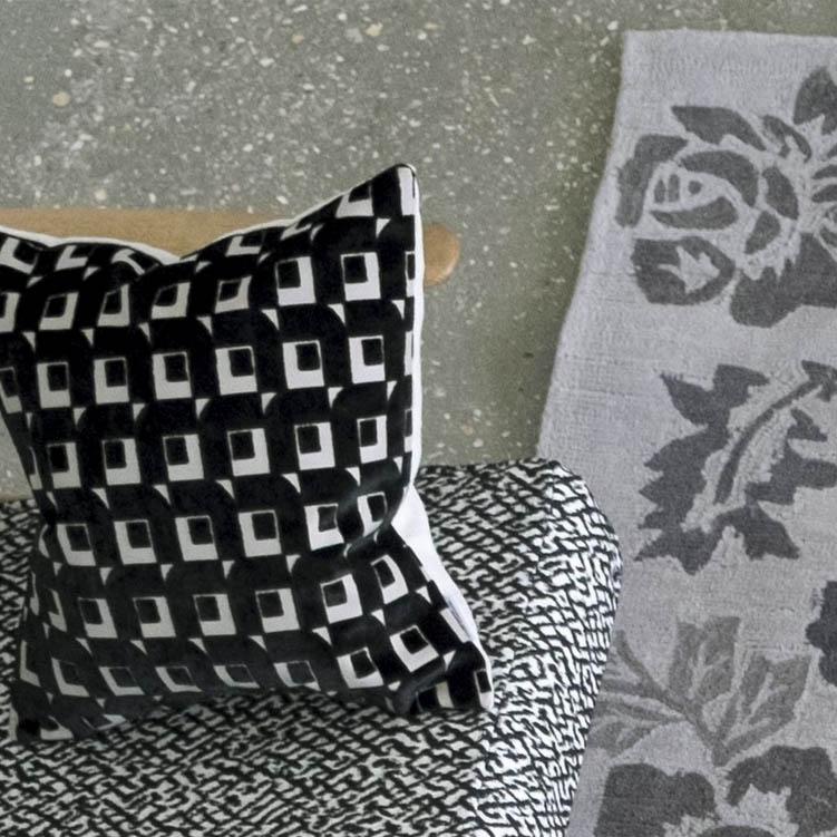 Designers Guild kussen Pugin Noir