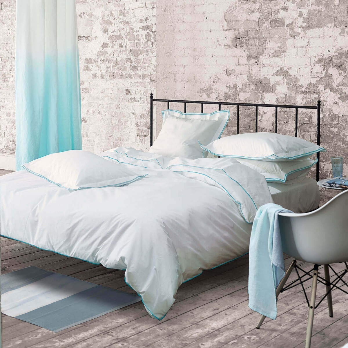 Designers Guild beddengoed Astor Aqua