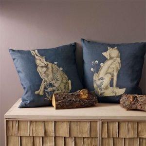 Morris & Co kussen Forest Hare Indigo