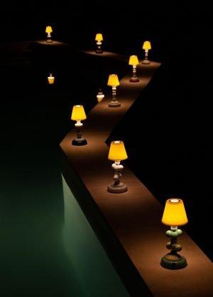 Lladró tafellamp Lotus Firefly wit
