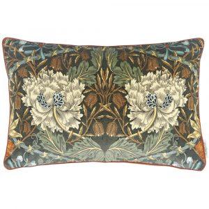 Morris & Co kussen Honeysuckle and Tulip Velvet Forest-Chestnut