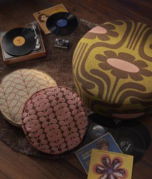 Orla Kiely meubelstof Velvet Sixties Stem Bubble Gum