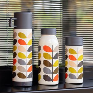Orla Kiely geisoleerde waterfles Multi Stem